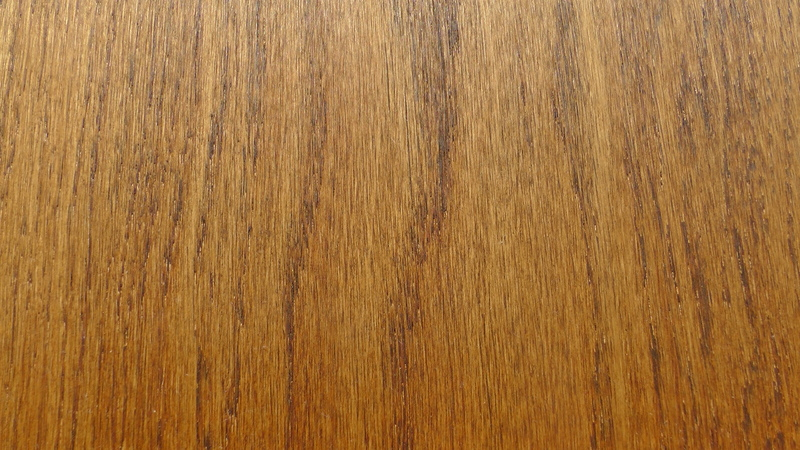 http://www.arrow-wood.com/wp-content/uploads/2013/03/European-Oak-BC-Walnut-23cm-wide.jpg