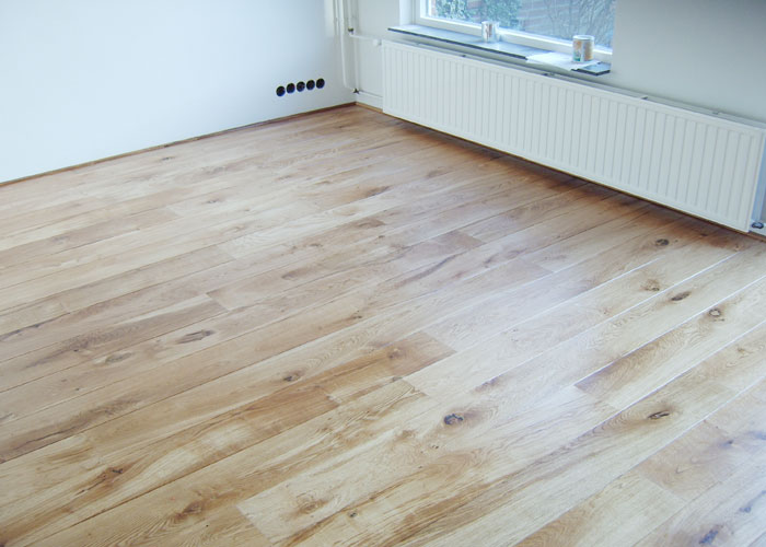 brown-maple-engineered-hardwood-flooring-2